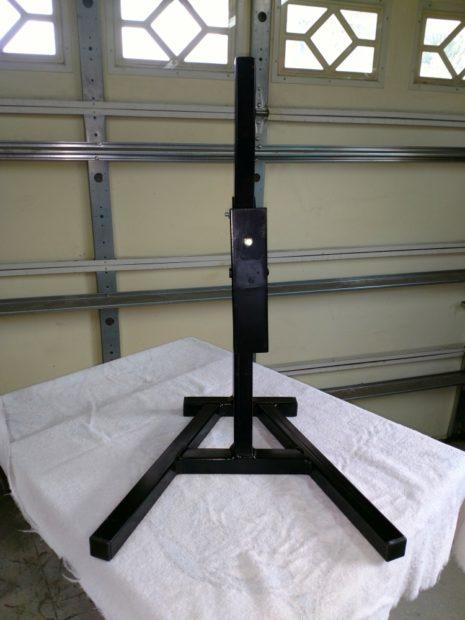 Lean-up mounting hardware