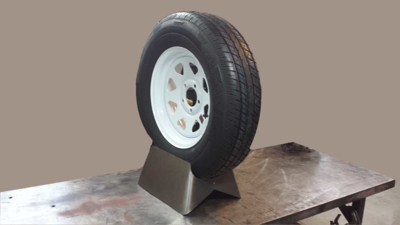 clamshell tire display